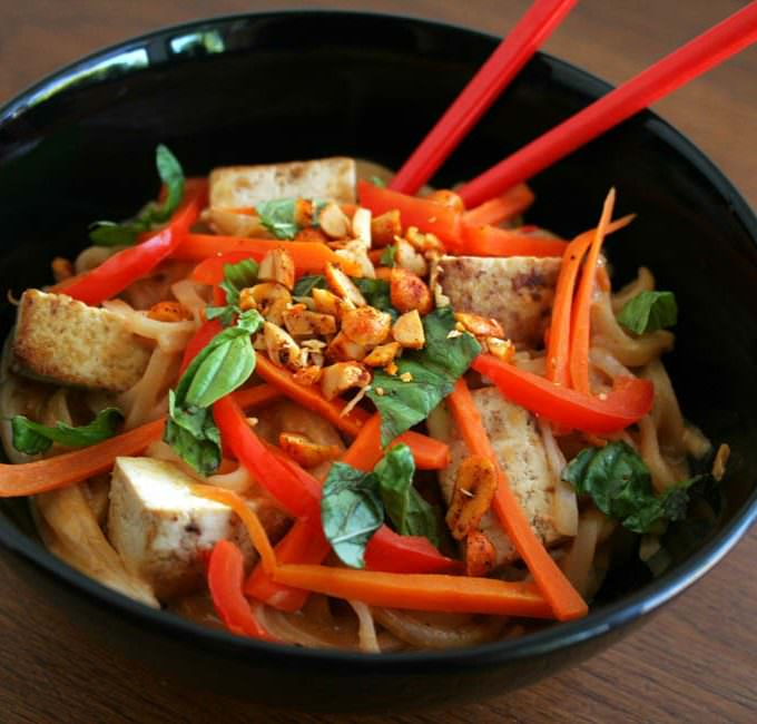 Tofu and Thai Noodles with Peanut Sauce