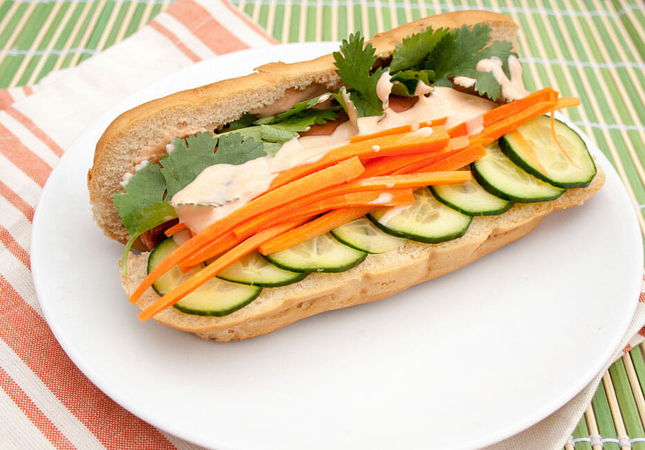 Vegan Bánh Mì Hot Dog