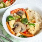 Green Curry with Tofu and Vegetables (vegan, gluten free) - This comforting recipe is an as easy weeknight meal. Who needs take-out when you can make it yourself!
